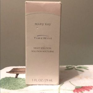 NEW!Mary Kay Time Wise Night Solution